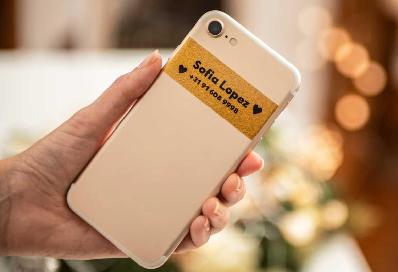 Етикет на смартфон, обозначаващ контакт със собственика