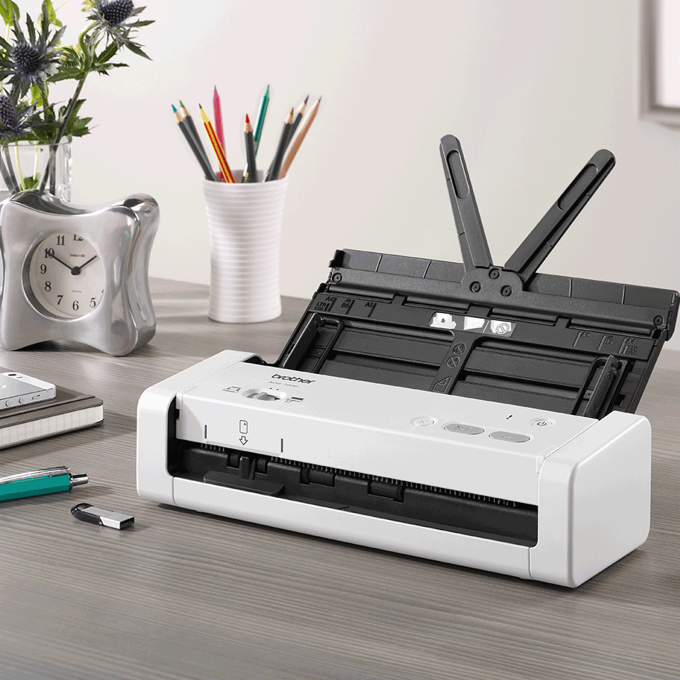 ADS-1200 - преносим, компактен документен скенер. 8