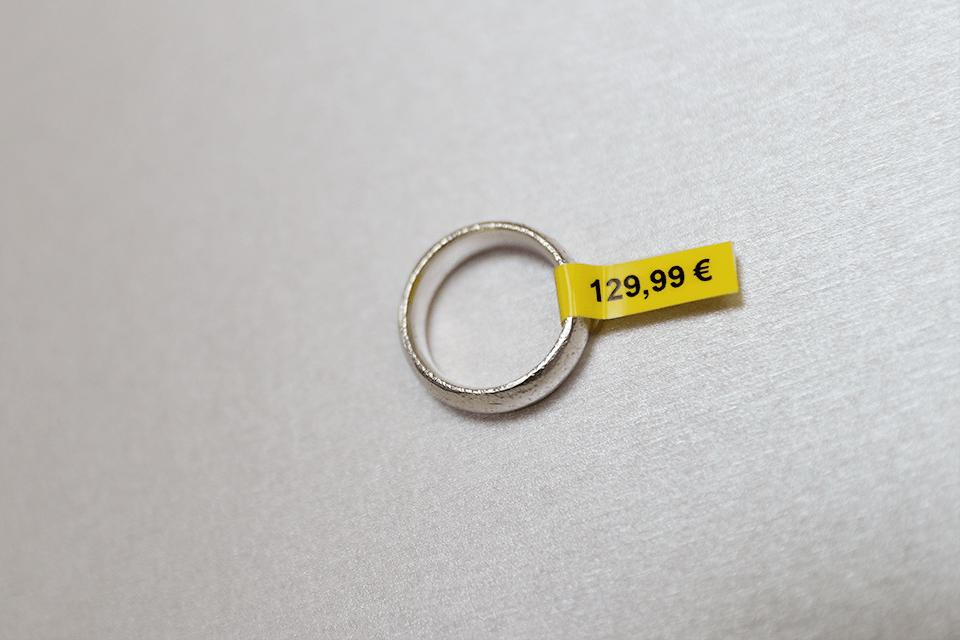 Brother TZe-FX611 - черен текст на жълта гъвгава лента, ширина 6mm 4
