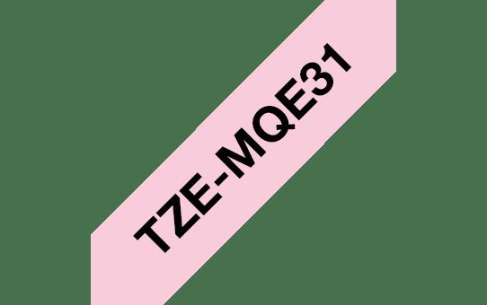 Оригинална касета с лента Brother TZe-MQE31, черен текст на пастелено розова лента, ширина 12mm.  3